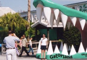 Vintage roadside signs, including the iconic jaws at Orlando's Gatorland, are among the topics that inspire Joy in Florida. (Credit: Joy Wallace Dickinson)