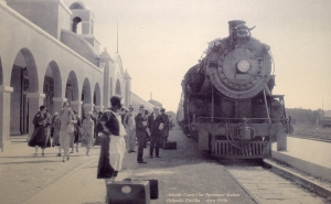 Orlando's Atlantic Coast Line station bustles in the 1930s. Courtesy of the Orange County Regional History Center.